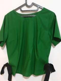 Atasan hijau kombinasi pita samping