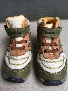 Sepatu bayi baby milyoner