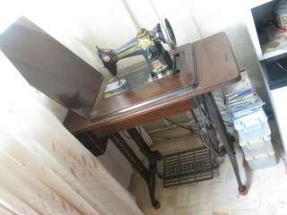 Vintage standard sewing company foot pedal sewing machine