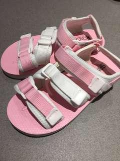 🚚 24粉色涼鞋全新 原價$590 便宜$80!!