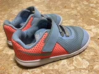 Nike 粉橘藍配色童鞋14cm