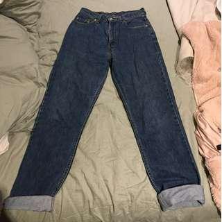 Vintage Levis mum jeans, waist size 29