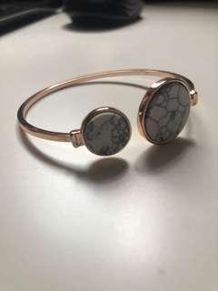 🚚 Marble designed bangle