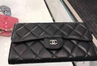 #Chanel#香奈兒近全新超實用三折信封✉️長夾