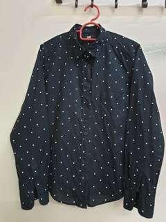 Uni Qlo Polkadot Shirt (S)
