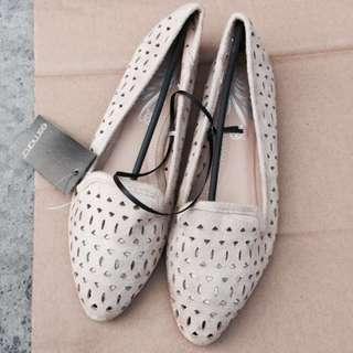原單。外銷法國簡約鏤空百搭舒適尖頭平底便鞋開車鞋通勤鞋-Euphoria Store