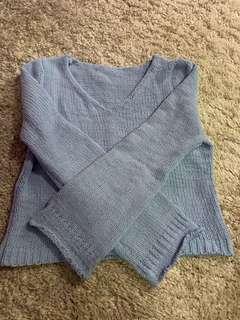 🚚 Blue Knit Sweater