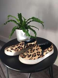 WINDSOR SMITH size 7 leopard sneakers