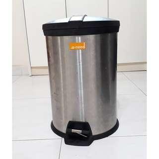 Stainless Steel Pedal Bin / Dustbin (12 Litre)