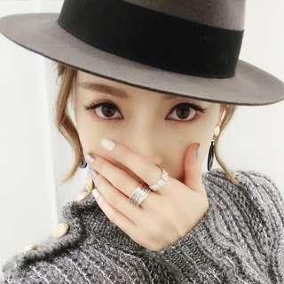 🚚 BNWT Grey Wooly Hat