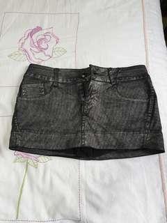 🚚 Denim skirt w inner short.. boutique fr
