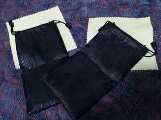 String pouch with micro fiber
