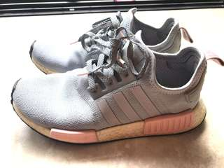 the latest a94bc 1701f Adidas NMD R1 Runner Grey Vapour Pink Light Onix