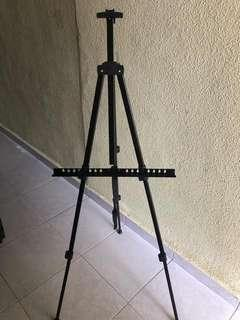 Aluminum portable easel stand