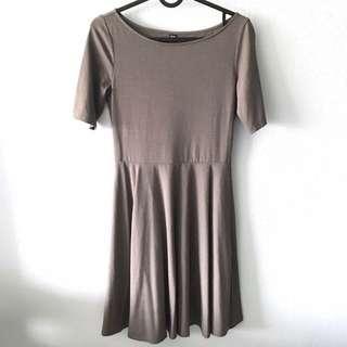 🚚 BN Uniqlo Grey Short Sleeve Skater Flare Mini Dress
