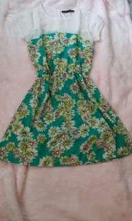 Preloved Petit Monde Floral Dress