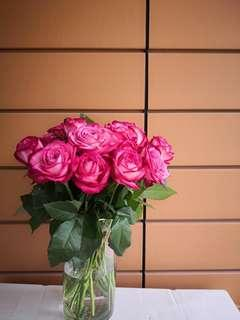 Scented fresh roses bouquet (flowers)