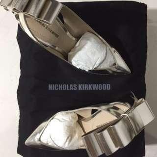 Nicholas Kirkwood Bow Embellished Leather And PVC Pumps Heels#contiki2018