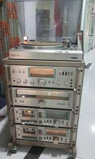 Vintage  1970s Sony whole set with  Speakers.