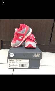 New balance sepatu anak 574