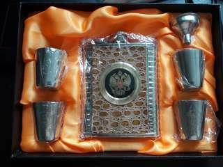 🚚 Liqour bottle Russian
