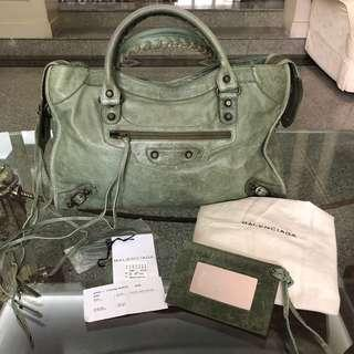 48198290eabc 💯Balenciaga City bag distressed leather - military green