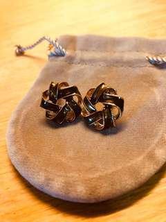 🚚 復古緞帶花瓣耳環