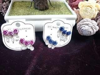 🚚 玫瑰吊墜耳環 - 粉紫/ 寶藍色- (針式)