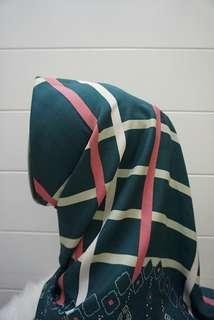 Square hijab 002