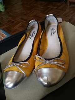 Cute Yellow Flatshoes