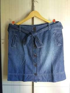 Front button mini skirt jeans