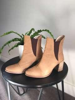 SEED size 37 boots **free shipping included**