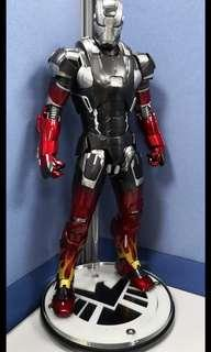 SALE Hot Toys Iron Man Hot Rod Exclusive + Shield stand