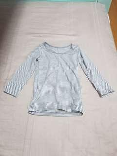 70d8f3019373 Uniqlo Kids Heattech size 90 long sleeve top