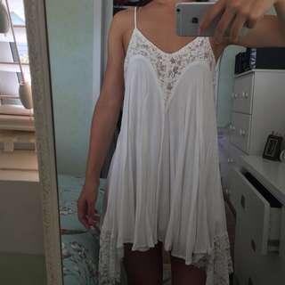 Flowy white dress size 6