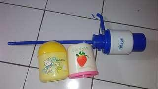 Pompa air mineral galon dan 2 tempat tisu gulung