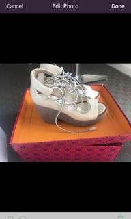 Tory Burch Platform shoes size 6 beige genuine