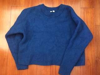 🚚 Uniqlo 藍色/短版/日式/簡約/歐美/休閒/古著/復古/vintage 針織毛衣/厚毛衣/保暖毛衣