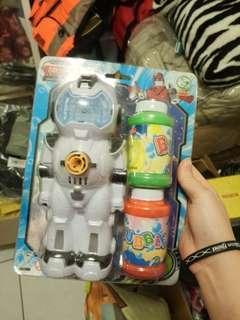 🚚 泡泡機器人 附兩罐泡泡水
