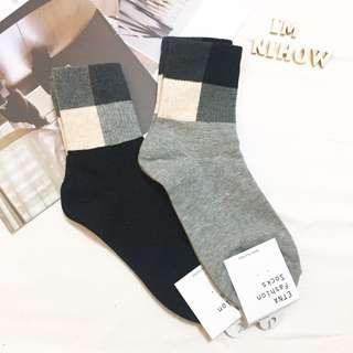 🚚 方塊襪子