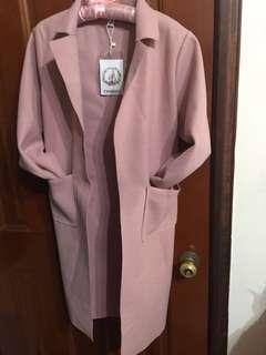 🚚 粉紅色外套