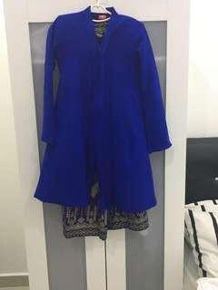 Baju kebaya biru