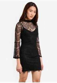 Black flare sleeve lace Dress