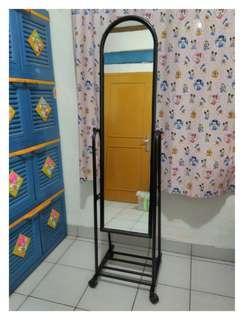 Kaca Cermin Standing Merk Informa