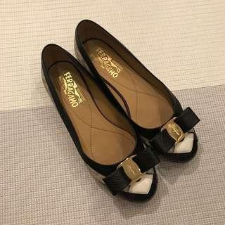 Salvatore Ferragamo Varina Flats / Flat Shoes Size 6D (fit 36/37)