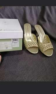 Gibi and primadonna size 7 and 8 used once PAMIGAY SALE!!