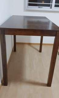 Picket and rail delivered Mar 2019 solid oak wood table