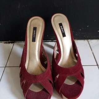 #maudompet wedges heels merah maroon julia'r size 37