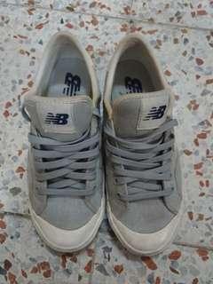 🚚 免費索取 Newbalance 帆布鞋 灰色 23.5cm