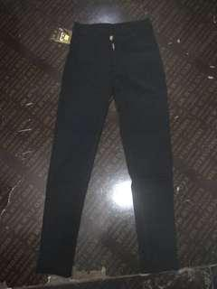 jeans highwaist hitam